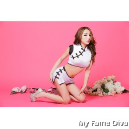 Oriental Beauty : Classic in White x Black